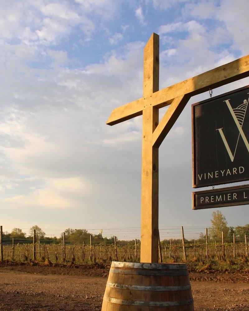 Vineyard Woods – Perfect Couples Getaway